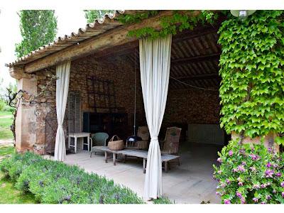 Il giardino di fasti floreali un casale in stile provenzale - Casas en la provenza ...