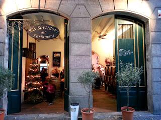 Entrance to Els Sortidors de Parlament - BarcelonaSights