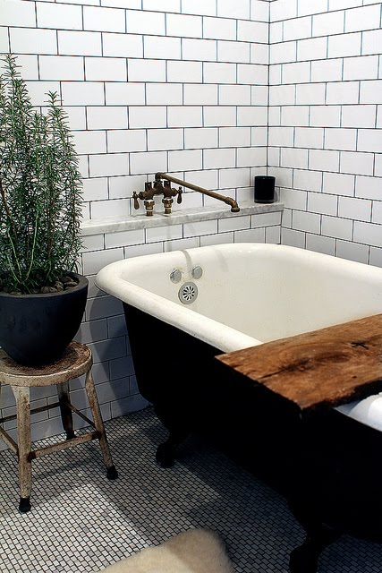 Modern earth design i need your opinion - Rustic chic bathroom ...