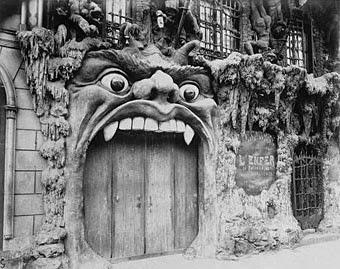 Porte du café de l'enfer, Paris