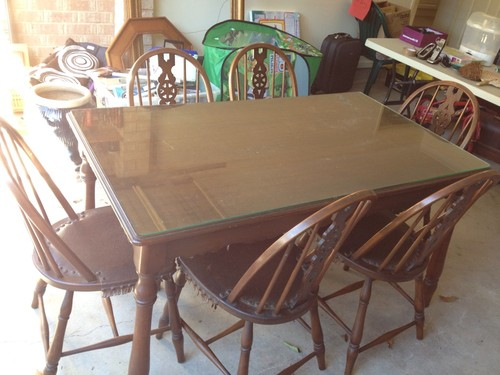 Farmhouse Style Vintage Green Dining Table amp Chairs : KGrHqJqQEnJqfhvBBQHm5jd0wQ6012 from www.restylerelove.com size 500 x 375 jpeg 51kB