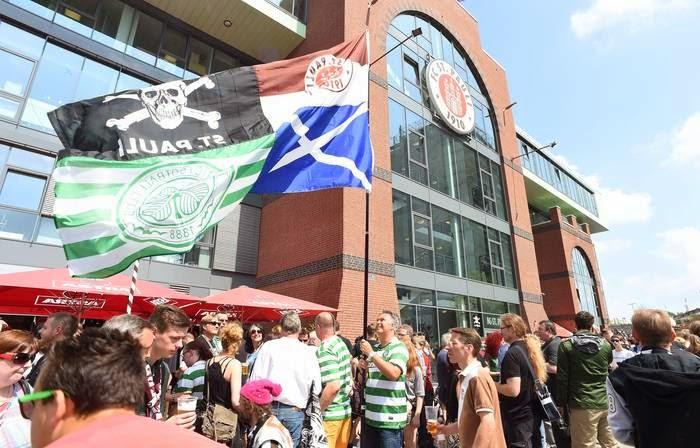 FC St. Pauli 1 :0 Celtic FC - St. Pauli vence o amistoso em jogo pouco empolgante em campo.