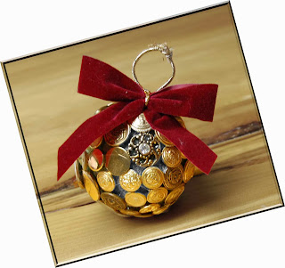 Golden Christmas Balls Ornaments Pictures Ideas 2015
