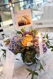 photo décoration de mariage cigales et petits fours