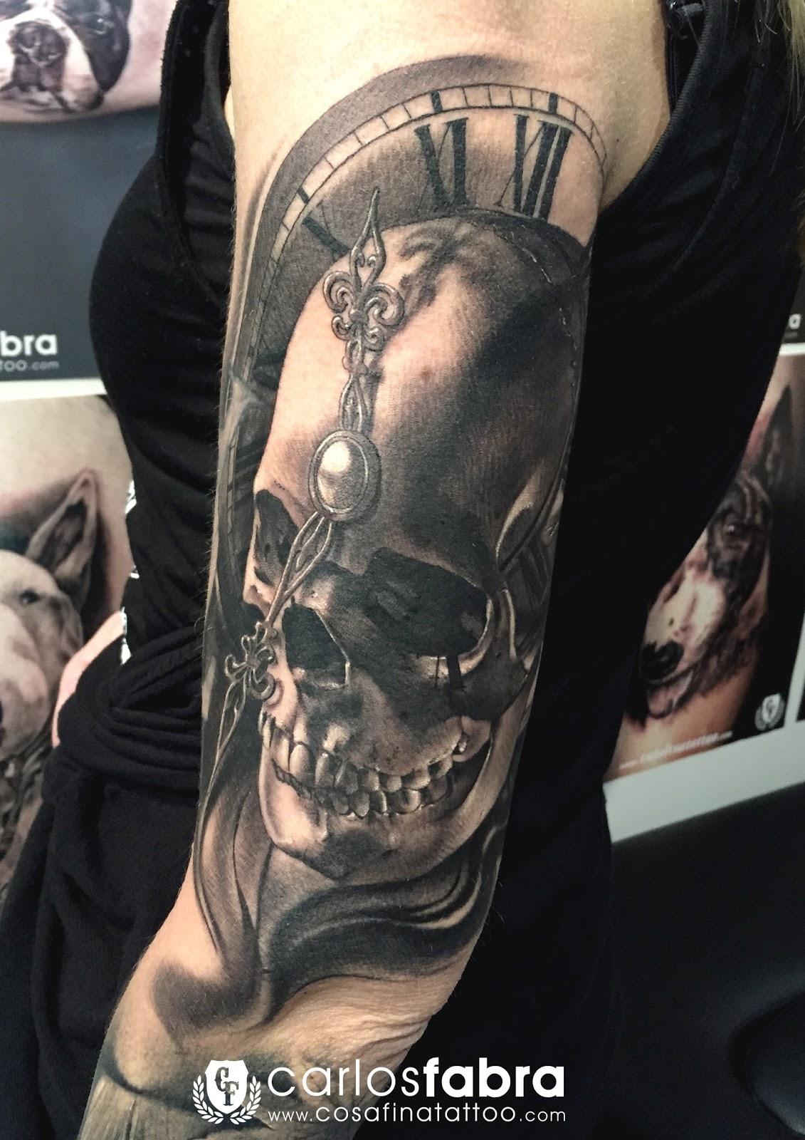 Cosafina Tattoo Carlos Art Studio Tatuaje Calavera Reloj Agujas