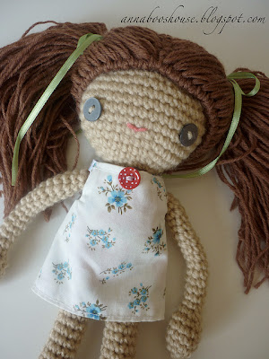 free crochet amigurumi doll pattern