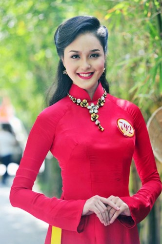 Miss Vietnam Earth 2012 Do Hoang Anh
