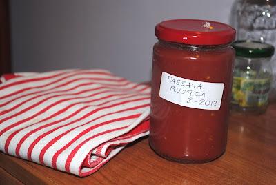 conserve di pomodoro per l'inverno