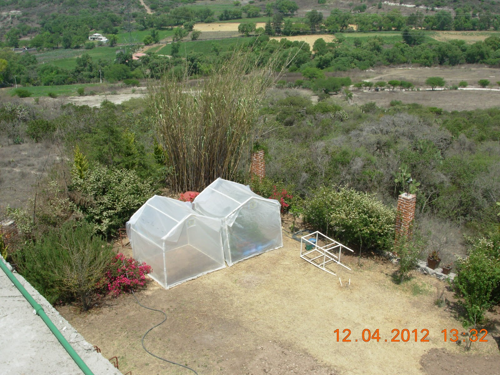 Rumbosol invernaderos solares para el jardin o la azotea - Invernaderos para jardin ...