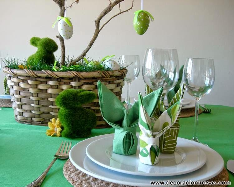 decoracion mesa pascua con huevos y conejitos
