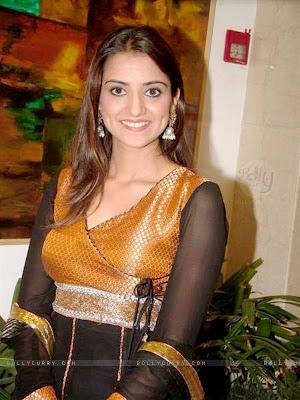 Kulraj Randhawa Wiki & Hot Pics