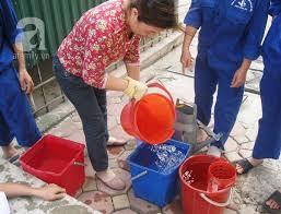 Thau dọn bể nước ngầm quận Long Biên