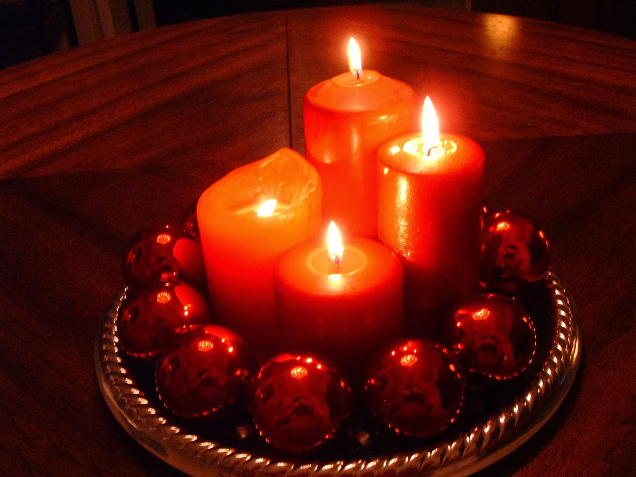 Candles and ornaments hd wallpapers blog for Christmas candles and ornaments