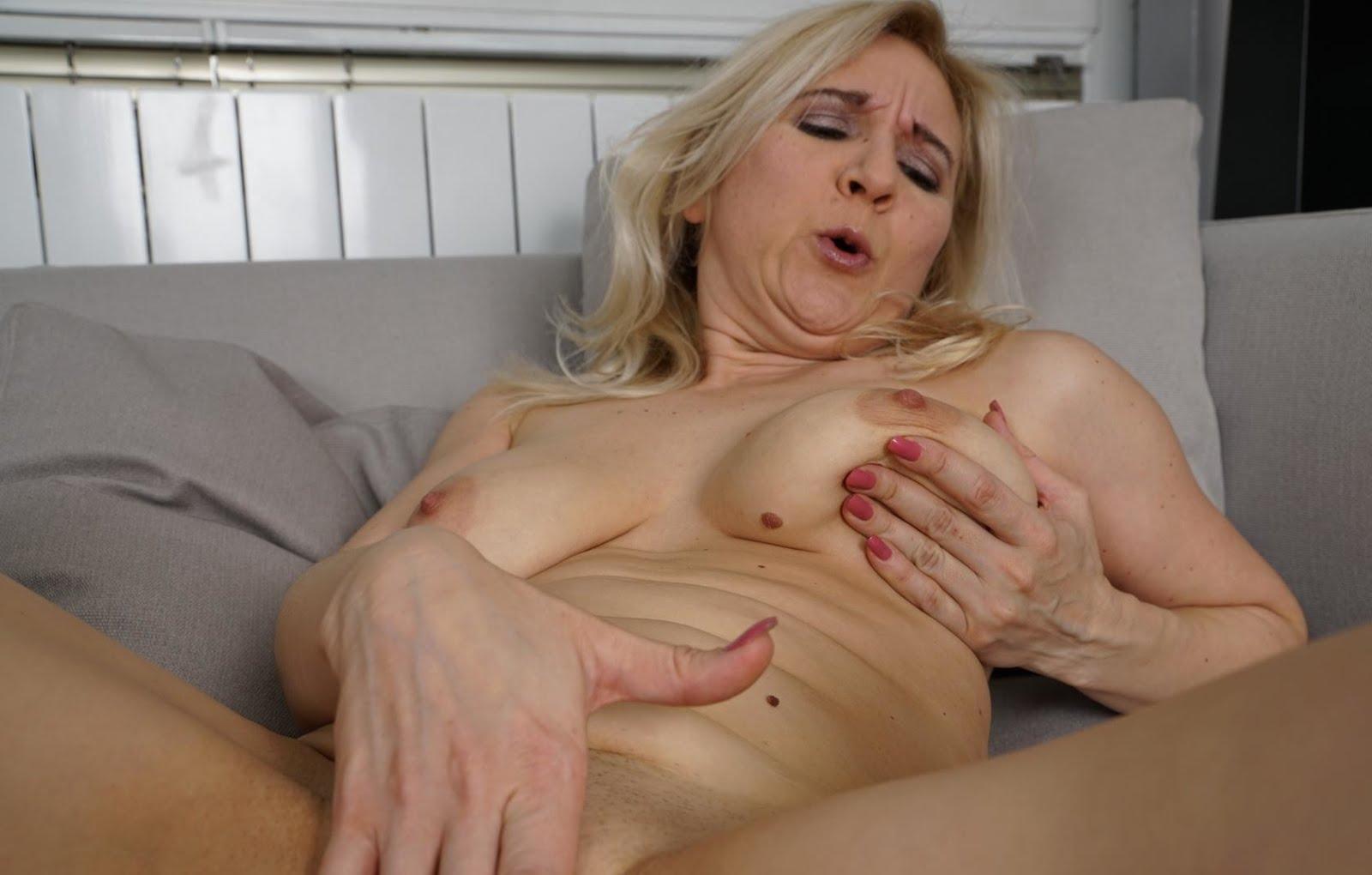 50yo blonde milf mmmm did i say i like squirters 2