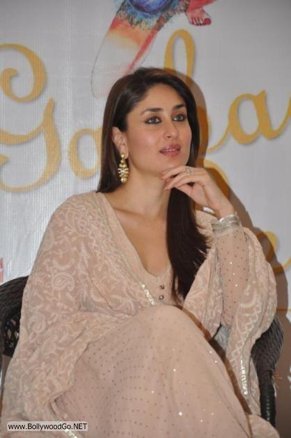 Kareena+Kapoor+Book+(4)