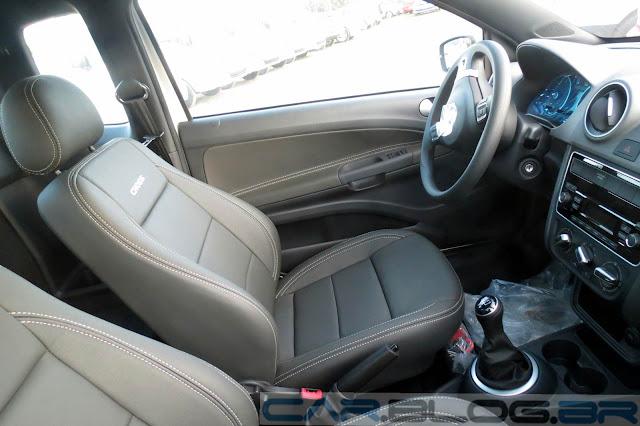 VW Saveiro Cross 2014 - interior