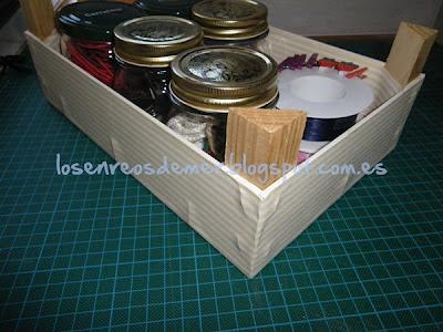 Utilidad de caja de fresas forrada con papel decorativo