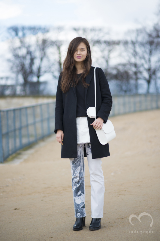 Margarita Zubatova carries Marques Almeida bag at Paris Fashion Week PFW