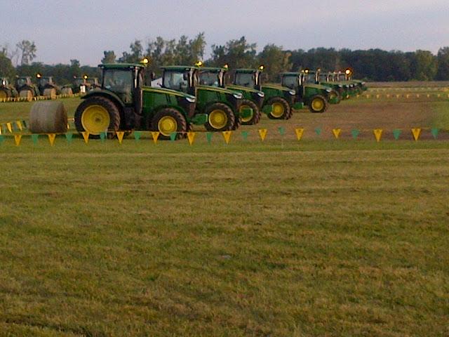 2014 John Deere 7R Tractors