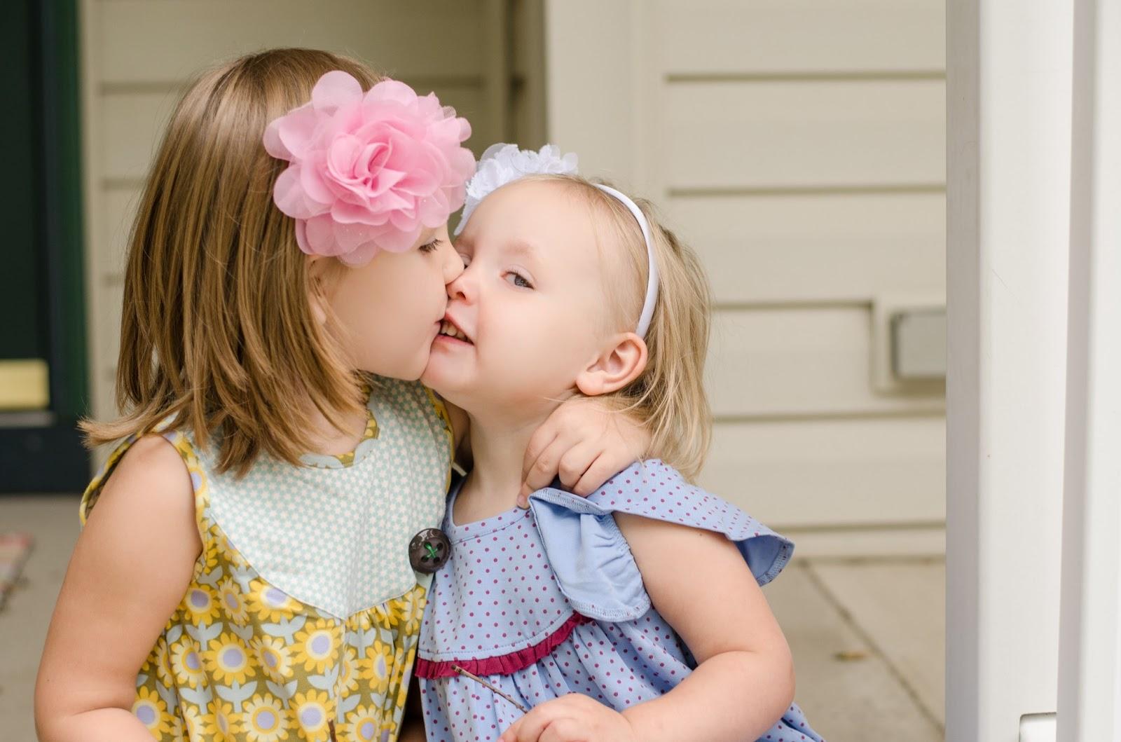 Girl Tongue Kiss Girl