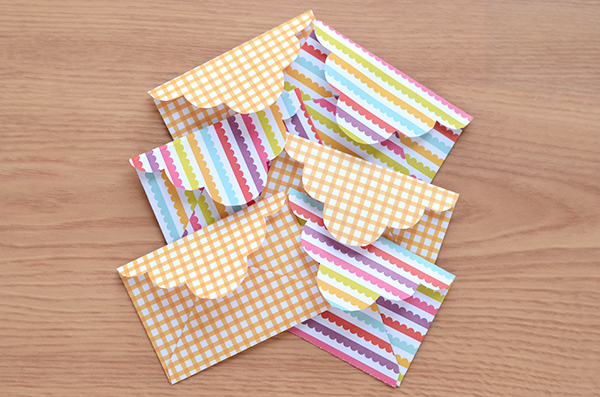 mini scalloped envelope diy with template polka dots are love