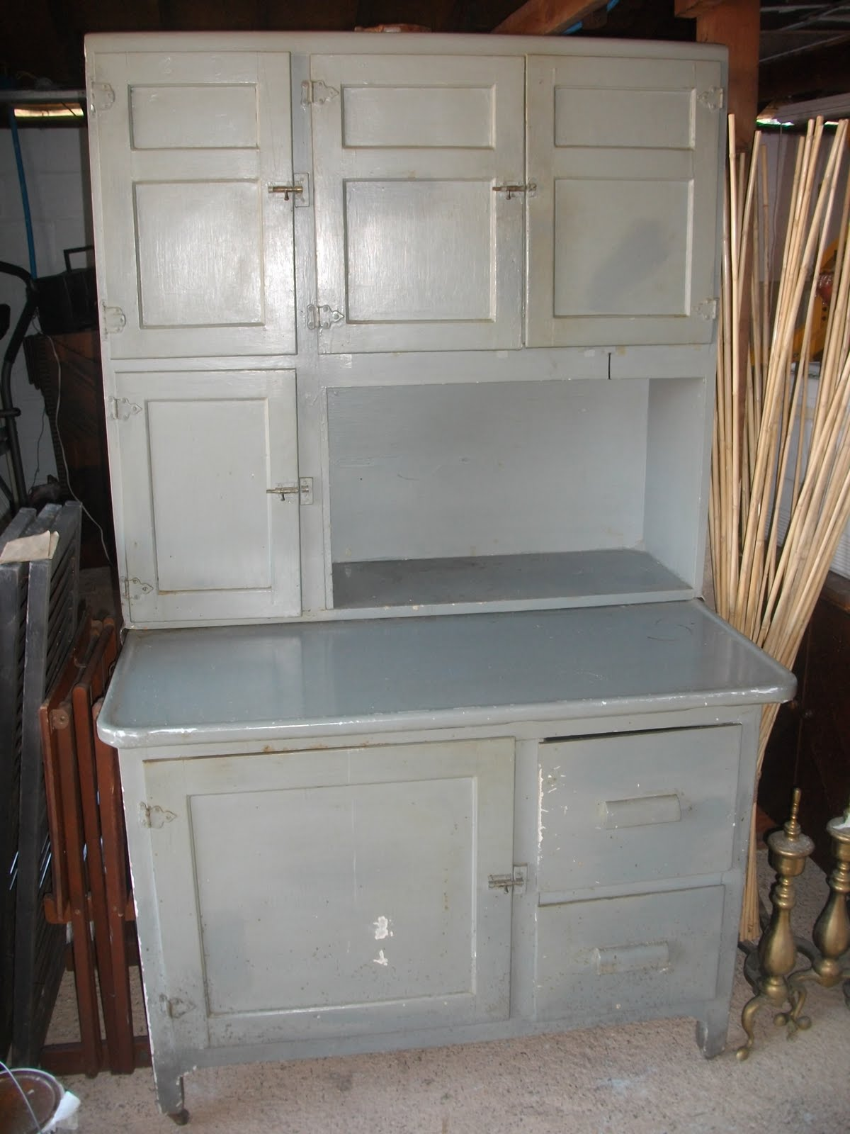 this is it in its original state a grey enamel paint covered the