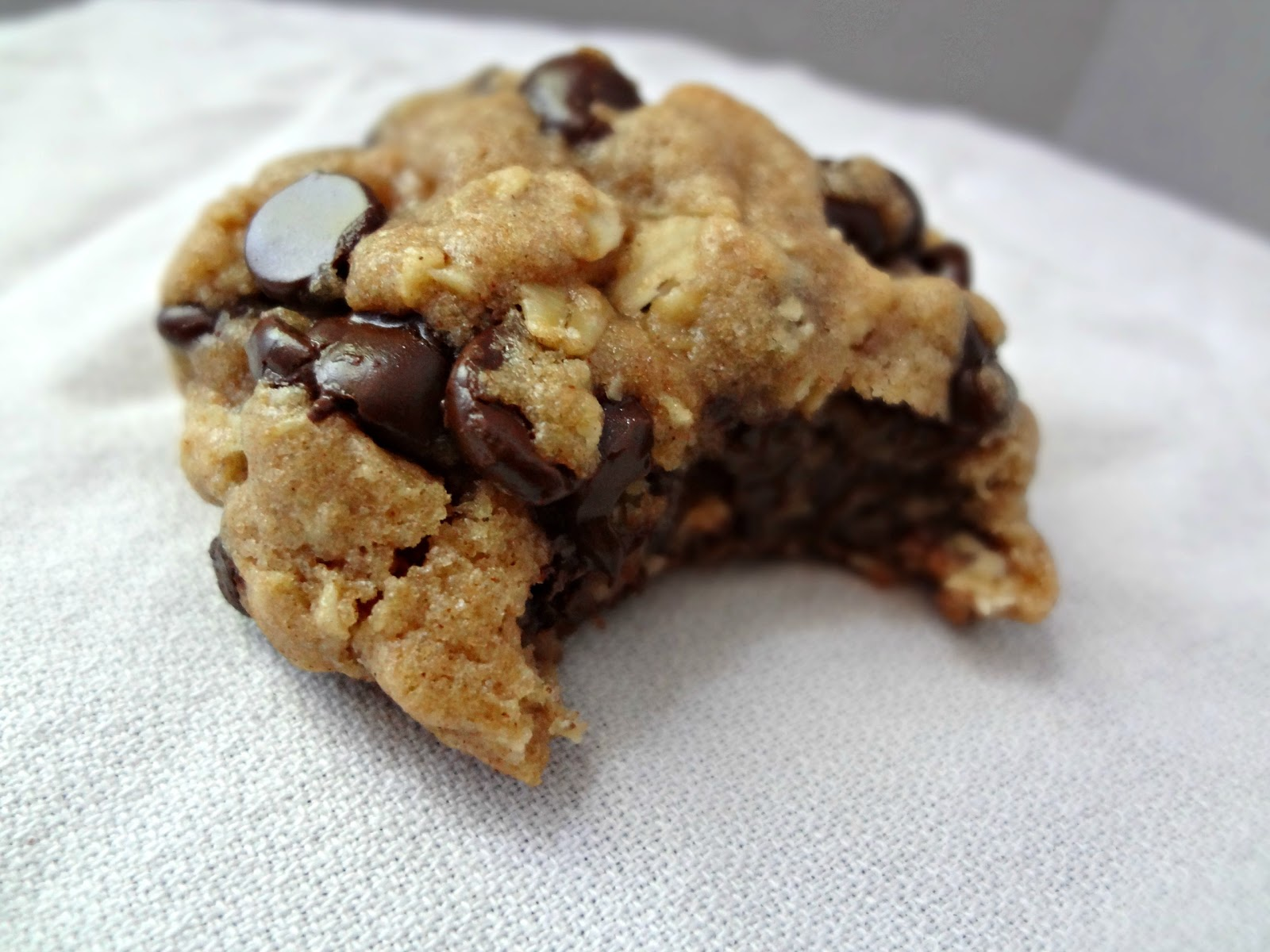 The Cooking Actress: Brown Butter Oatmeal Chocolate Chip ...