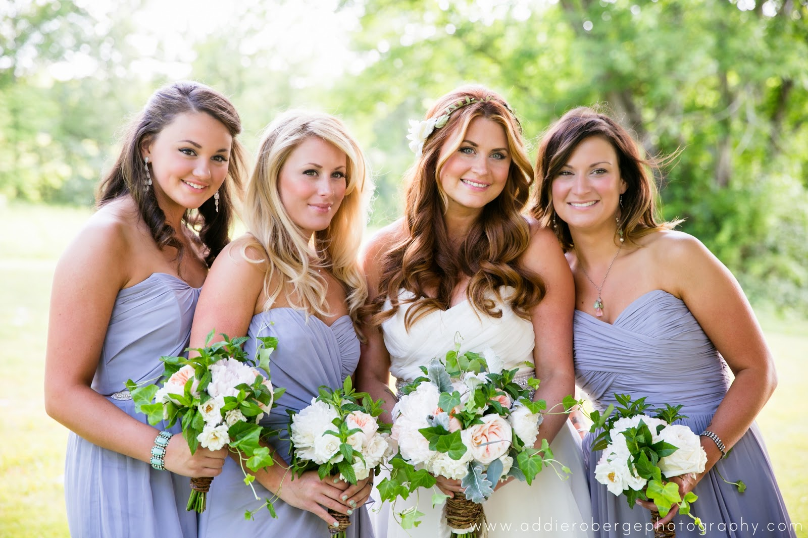 bridesmaids soft gray dresses : green, white, gray, pale pink : les fleurs