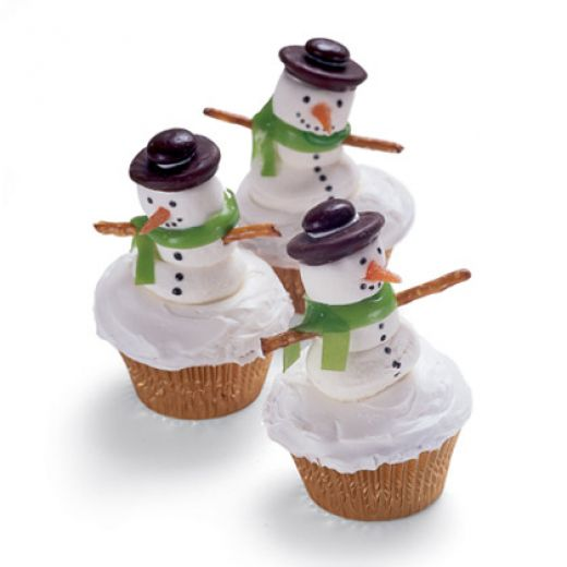 Cupcakes Cup: Snowman Cupcakes with Pretzel Arms