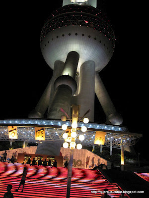 The Oriental Pearl Tower - 东方明珠塔