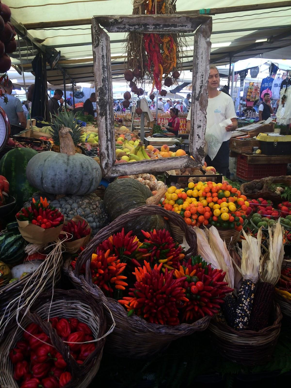 5-Things-I-Adore-About-Rome-Campo-Di-Fiori-Market