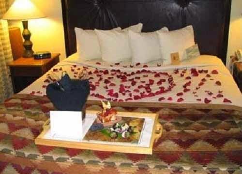 Gambar Desain Kamar Tidur Romantis Terbaru