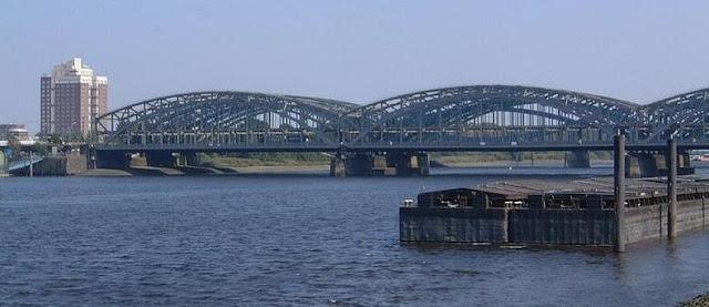 جسور+ثقف+نفسك+2 مدينة الجسور في هامبورغ