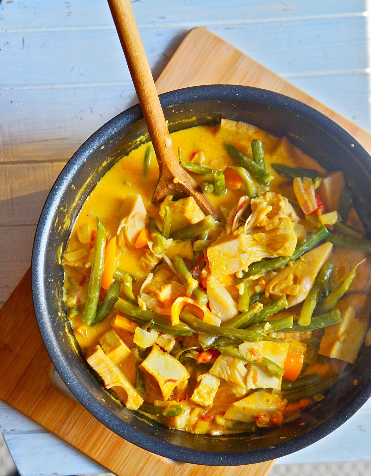 jackfruit and tofu curry