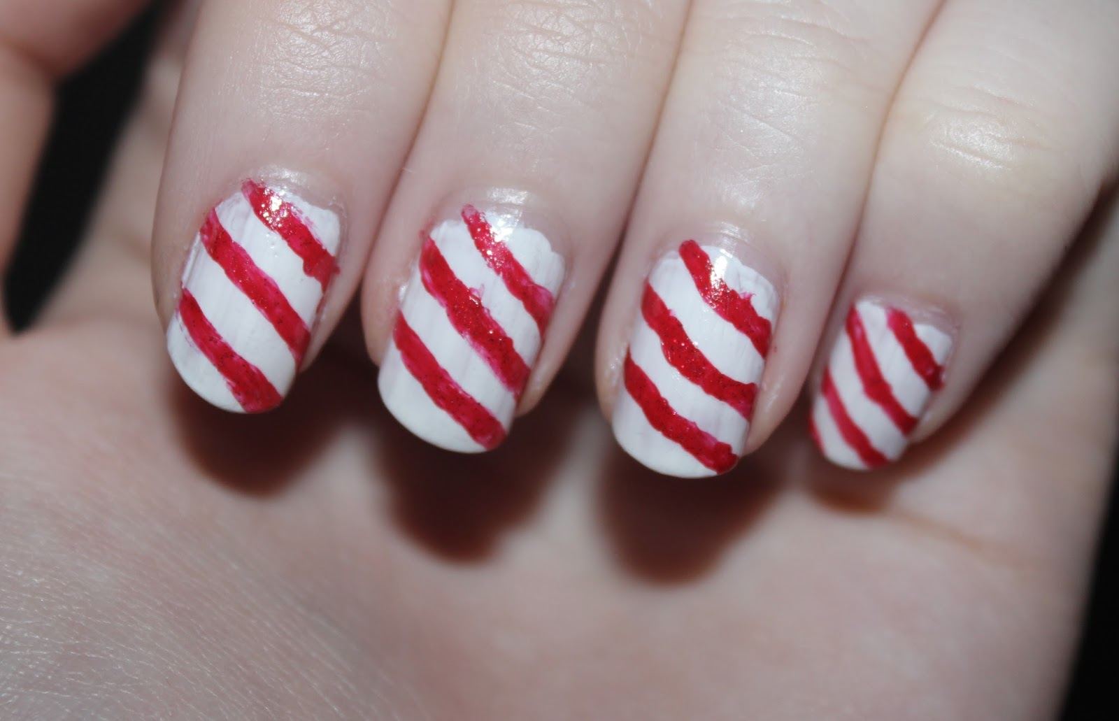 Christmas Nails: Candy Stripes