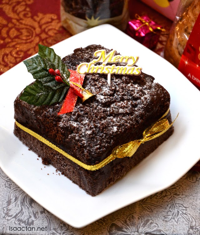 Rocky Land Gift Cake - RM35