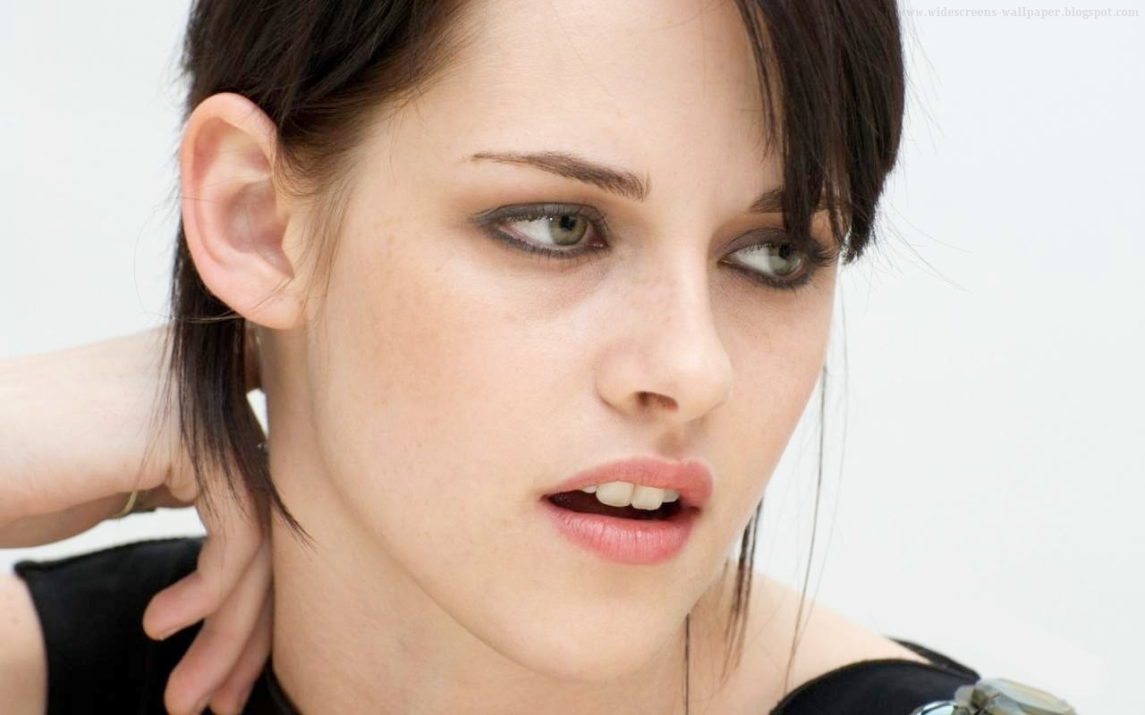 HD kristen stewart face wallpaper