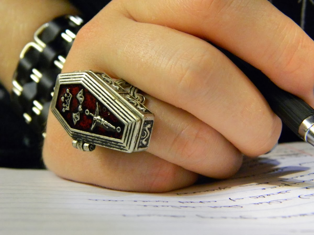 coffin ring - raivyn dk alternative gothic fashion