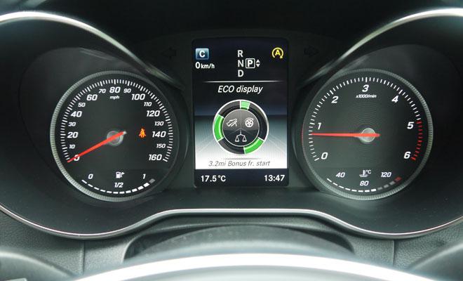 Mercedes-Benz C220 AMG Line instruments