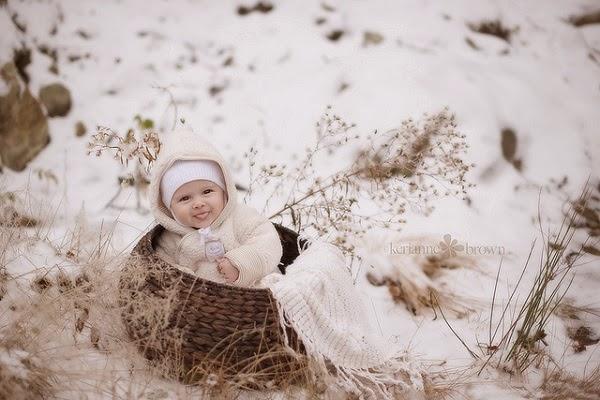 Belle Photo bébé dans la neige