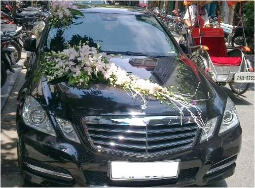 Cho thuê xe cưới Mercedes E300 hạng sang đời mới 1