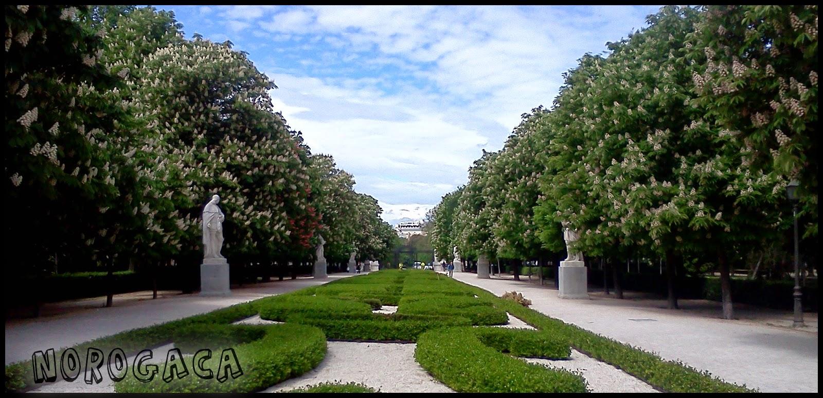 Paseo de las Estatuas en el Parque del Retiro.