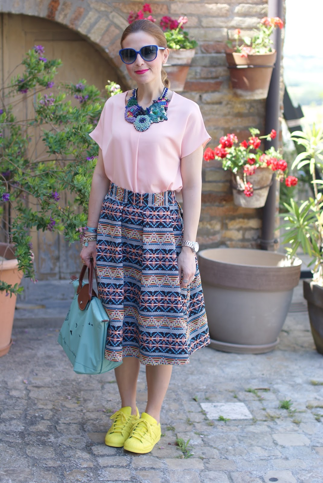 midi skirt with sneakers on Fashion and Cookies fashion blog