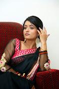 Nidhi Natuiyal Glamorous Photos in Saree-thumbnail-17