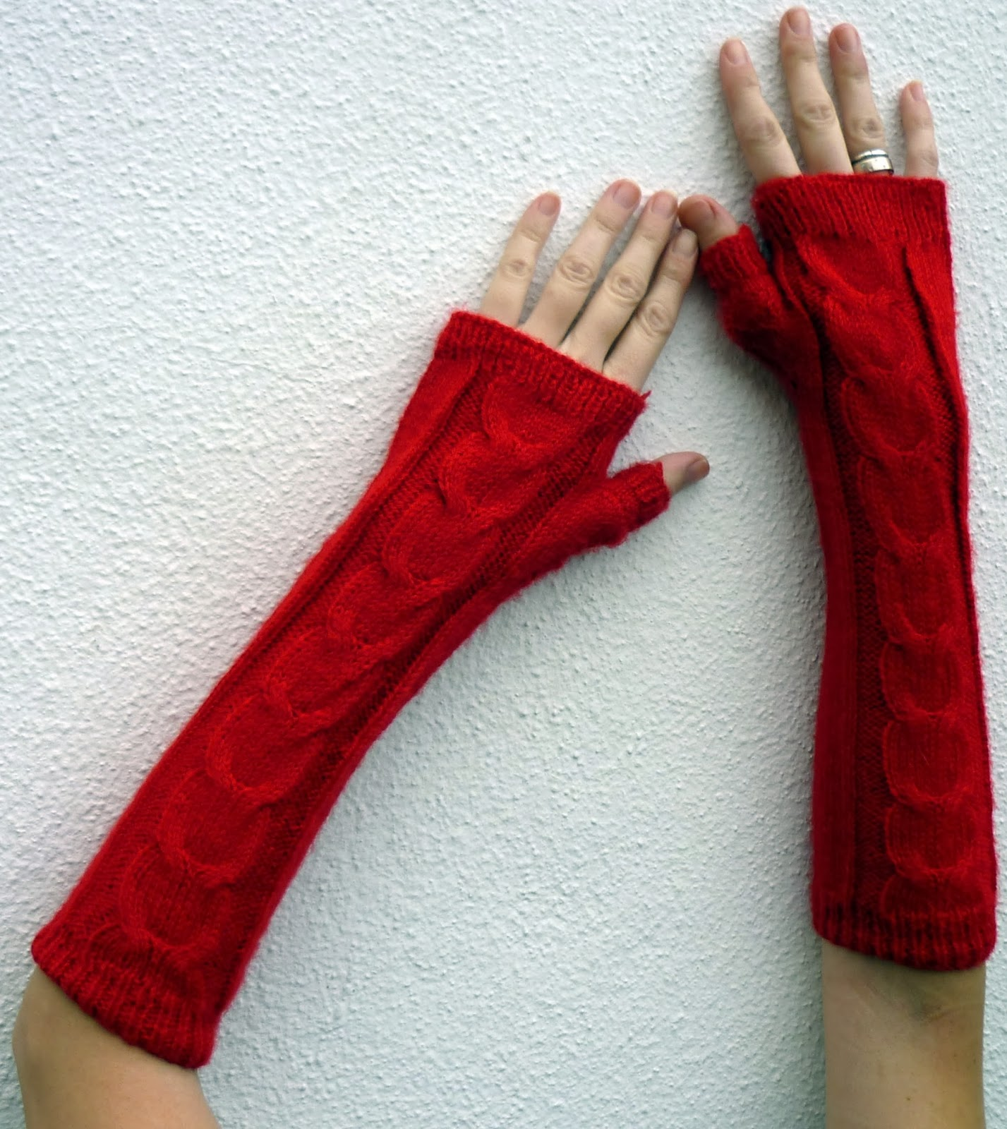 Guantes largos rojos