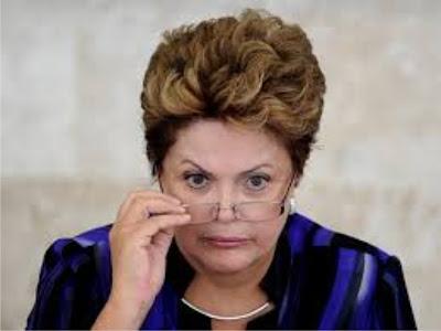 Dilma driblou segurança presidencial e saiu de moto por Brasília