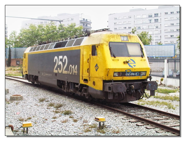 Locomotóra 252, eléctrica, múy potente