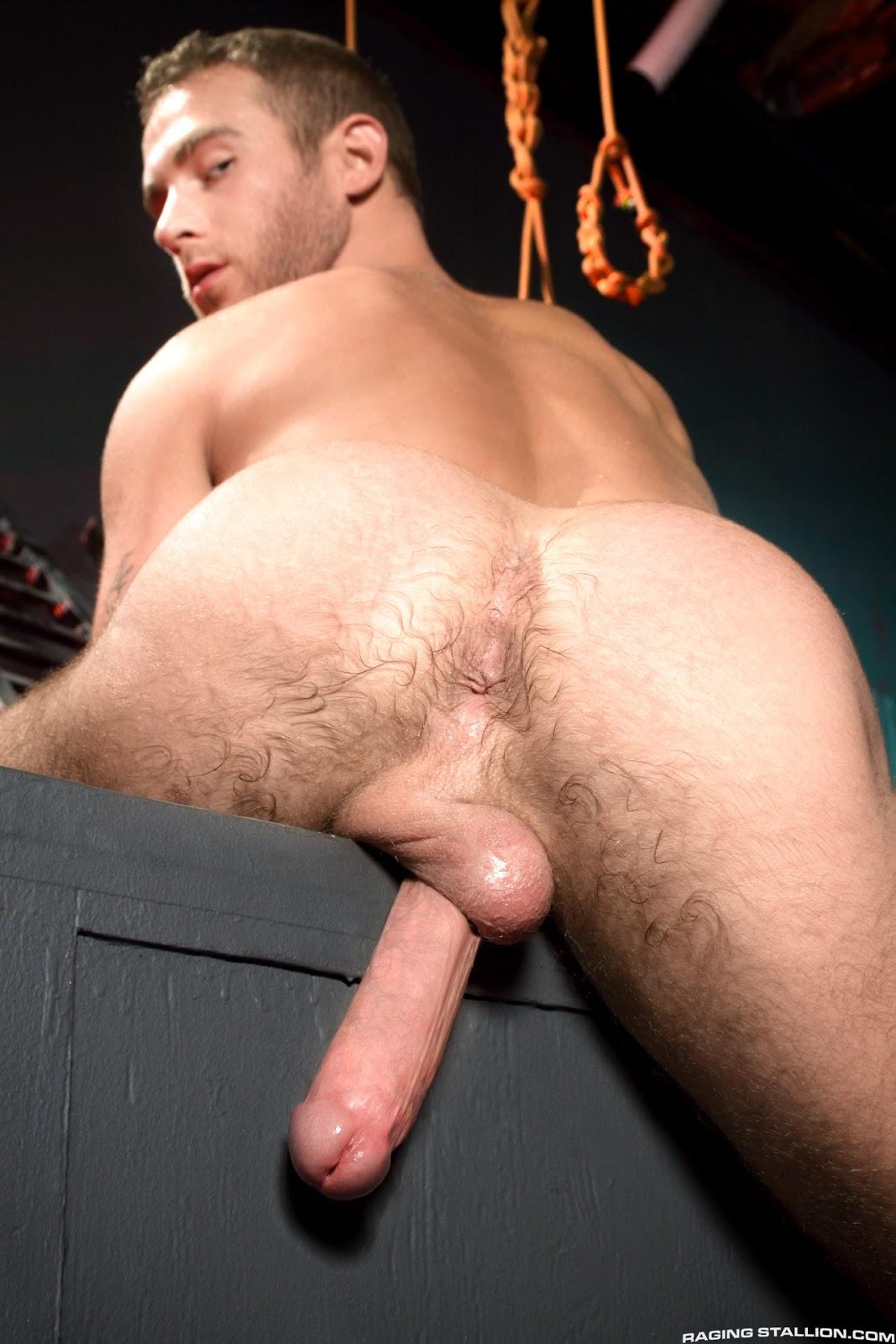 porno-foto-borodatiy