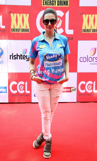 Celebrities Pictures at CCL Season 5 Mumbai Heroes Vs Veer Marathi Match CCL5  13.JPG