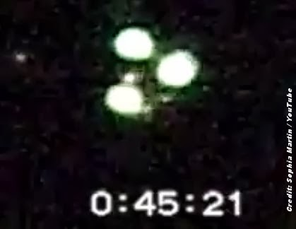 Amazing UFO Footage Over Wiltshire 1998